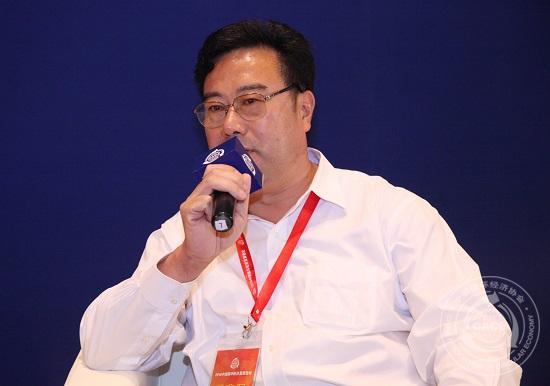 山东大学可持续发展研究中心主任,教授马春元
