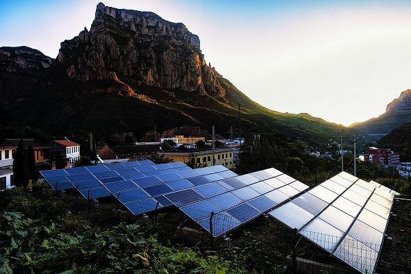 20.山村用上太阳能.jpg